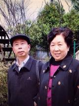我俩的照片集《悠悠岁月悠悠情》已印制成书。
