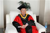 2014年6月,郁院士参加本科生毕业典礼